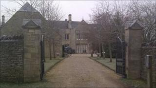 Shipton Manor