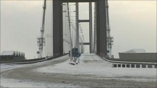 Snow on Humber Bridge