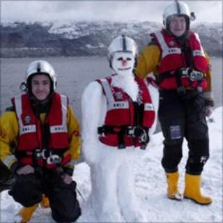 Loch Ness RNLI snowman. Pic: Loch Ness RNLI