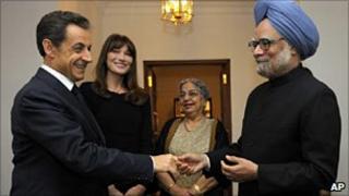 Indian PM Manmohan Singh with French President Nicholas Sarkozy in Delhi