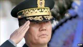 Gen Hwang Eui-don - file photo from 27 May 2010