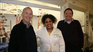 Steve Lee (l), researcher Seble Lemma (c) and supervisor Dr Adrian Dobbs (r)