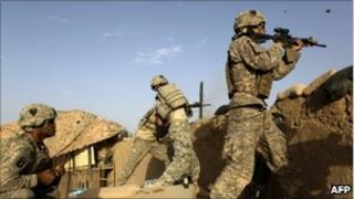 US soldiers fighting in Afghanistan