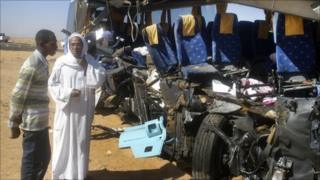 Wreckage of crashed coach (26/12/10)