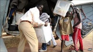 Election materials are unloaded in Tali, Southern Sudan (3 Jan 2011)