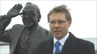 David Morris MP and Eric Morecambe statue