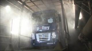 Testing the new water mist system in the Channel Tunnel