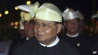 Burma's top leader, Gen Than Shwe, celebrates Union Day, 12 February