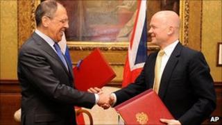 Sergei Lavrov (left) and William Hague