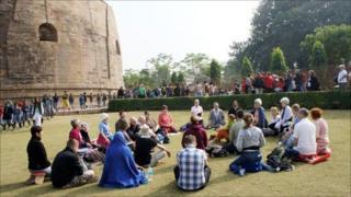 Buddhists at Sarnack