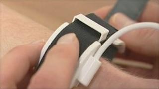 New blood pressure device worn on wrist
