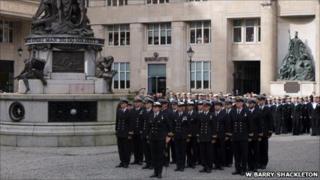 HMS Liverpool crew ahead behind St George's Hall
