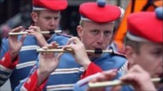 Orange flute band