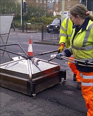 Swindon trials new pothole system