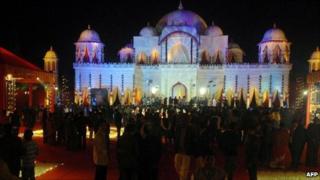 Guests mingle at the wedding venue of newlyweds Yogita Jaunpuria and Lalit Tanwar