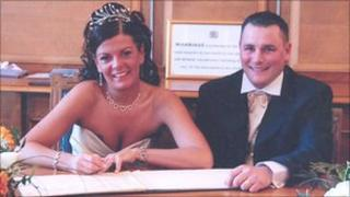 Darren Barry and wife Tracey on their wedding day