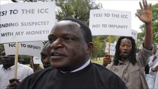 Protesters in Nairobi lobby in support of the ICC case against Kenyan officials