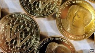Coins to commemorate the royal wedding