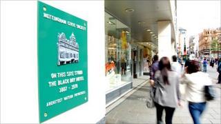 Plaque commemorating the Black Boy Hotel on Long Row, Nottingham