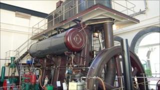 The steam-powered water pump at the Museum of Power