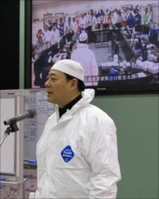 Industry Minister Banri Kaieda at Fukushima, 9 April