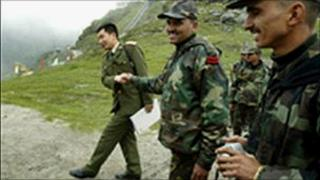 File picture of Indian and Chinese soldiers