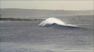 Wave at Coney Beach. Image by Hugh from Porthcawl Surf.