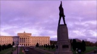 Stormont and Carson statue