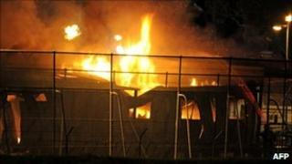 Firefighters battle blaze at Villawood detention centre in Sydney, Australia - 21 April 2011