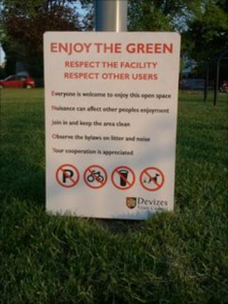 Sign on the green in Devizes