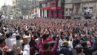 Protest after Friday prayers in Baniyas (6 May 2011)
