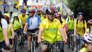 Cyclists on Southampton Sky Ride