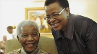 Nelson Mandela and his wide, Grace Machel