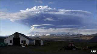 Ash cloud from Grimsvotn volcano