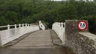 Witney-on-Wye toll bridge