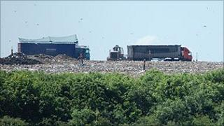 Lorries at the Pitsea landfill site