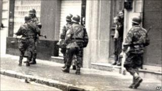 French troops in Algiers (archive shot)