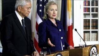 "Secretary of State Hillary Rodham Clinton and Philippine""s Foreign Minister Albert del Rosario, Washington 23 June 2011"