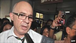 Ross Dunkley leaves court in Burma on 30 June 2011