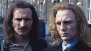 Christopher Eccleston as Nicky and Daniel Craig as Geordie in Our Friends In The North