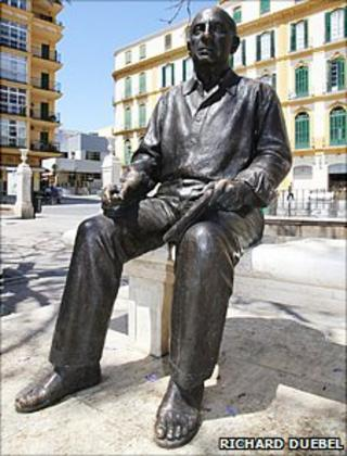 Statue of Pablo Picasso on Plaza de la Merced, Malaga