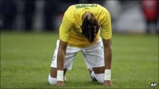 Brazil's Neymar reacts during a Copa America quarter-final against Paraguay in La Plata, Argentina, 17 July 2011