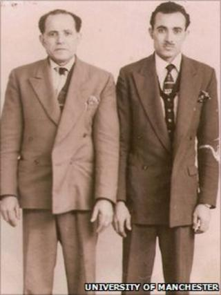 Abdo Hizam (l) and his son Ahmed
