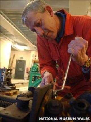 Engineer working at Big Pit - Courtesy of Amgueddfa Cymru National Museum Wales