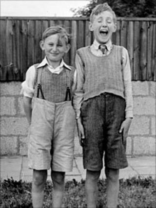 Albert Beaney photograph of two boys taken in Swindon c1948