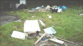 Rubbish dumped on A39