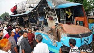 Bus accident in Bangladesh 28 July 2011