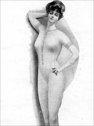 1907 underwear (picture courtesy of Pringle of Scotland)