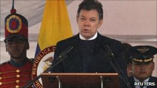 Colombia's President Juan Manuel Santos speaks during Army Day, the 192nd anniversary of the Battle of Puente de Boyaca, in Boyaca, 7 August 2011.