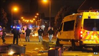 Police face rioters in Toxteth